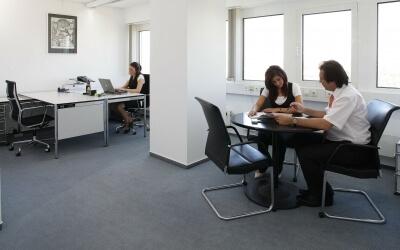 Набули чинності нові правила отримання ліцензії на працевлаштування за кордоном.