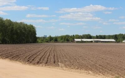 30 березня Верховна Рада України ухвалила Закон України «Про обіг земель сільськогосподарського призначення».